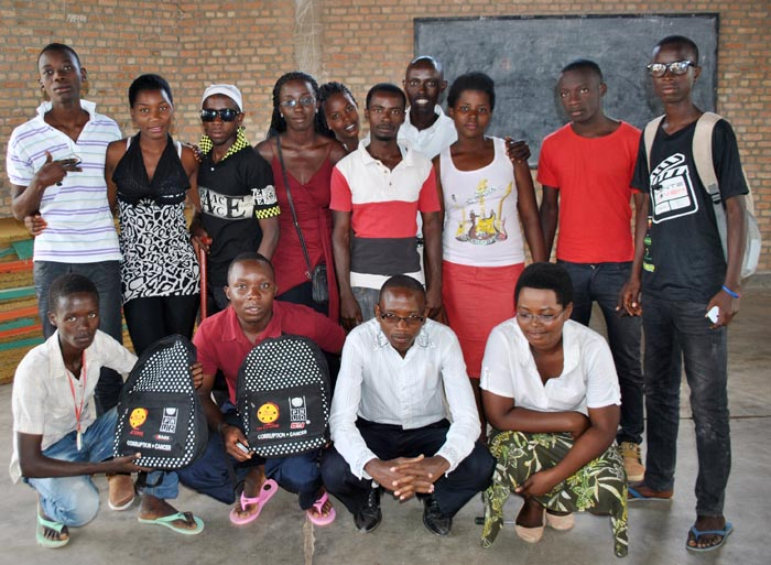 A family picture of anticorruption club members of Municipal Kanyosha Lycée ©Iwacu