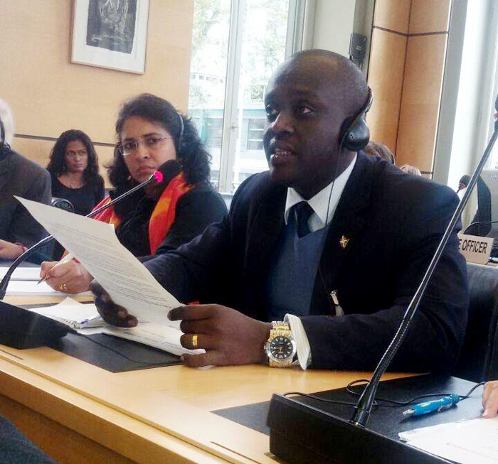 Armel Niyongere, the president of the coalition of organization civil societies at Geneva during the session ©Iwacu