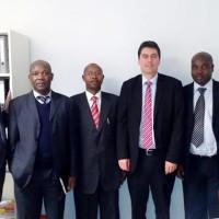 De gauche à droite : Carlo Parisel, Anatole Bacanamwo (ancien ambassadeur du Burundi en Allemagne), Boniface Manirambona (secrétaire de la section FNL du Benelux), Dr Sascha Raabe, Aimé Magera et Franck Stickmayer (député régional du SPD) ©Iwacu