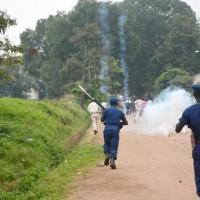 Lorsqu'il s'agit de manifestations ou de réunions jugées hostiles au pouvoir, ce dernier lâche son armada policière pour l'empêcher ©Iwacu