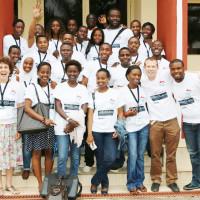 Photo de famille des participants à la conférence « BloGlac » ©Iwacu