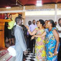 Altercation entre les partisans du pasteur Gaspard Nyambere et ses détracteurs ©Iwacu