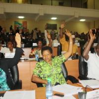 Kigobe : les députés procédant au vote de la révision de la Constitution ©Iwacu