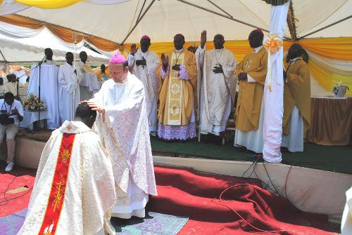 Le Nonce Apostolique prie pour l'Evêque coadjuteur de Bubanza ©Iwacu