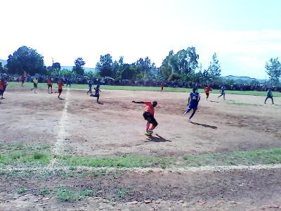 Match entre Atletico Olympic et Flambeau de l'Est, à Ruyigi  ©Iwacu