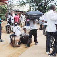 Université du Burundi : les étudiants rentrent, après la décision ministérielle de les renvoyer pour une nouvelle inscription ©Iwacu