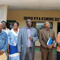 Aaron Mpindukiye, l'administrateur de la commune Buterere, l'Ombudsman, son porte-parole et la présidente Tribunal de résidence ©Iwacu