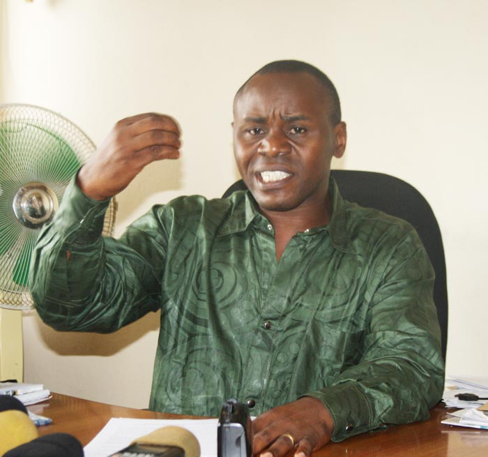 Gabriel Rufyiri dénonçant « des corrompus qui sont devenus plus forts que l'Etat » ©Iwacu