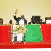 Le député uproniste François Kabura n'a pas levé son main lors de l'adoption des deux projets de lois ©Iwacu