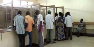 Au guichet de versement dans  une microfinance
