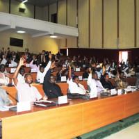 Tous les députés Cndd-Fdd votent la loi sur la CVR ©Iwacu