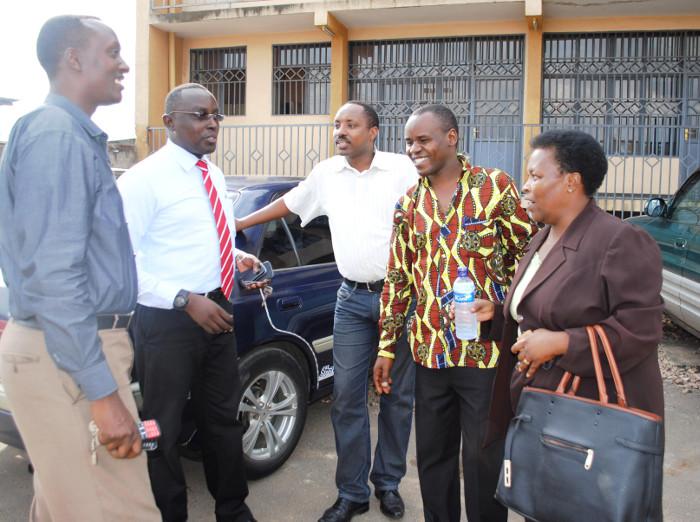 Les représentants de la société civile (Forsc, Focode, Olucome, Cosome). Selon Vital Nshimirimana (extrême gauche), le président de l'Aprodh avait répondu à l'appel du ministre de l'Intérieur ©Iwacu