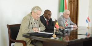 """""""Si la bonne gouvernance n'est pas respectée, la Belgique et les Pays-Bas prendront des mesures qui pourraient aller jusqu'à la suspension partielle ou totale du projet"""", selon Ambassadeur Marc Gedopt ©Iwacu"""