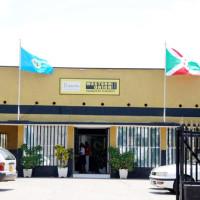Vue de face d'une institution financière possédant le système de paiement Western Union à Bujumbura ©Iwacu