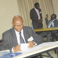 Agathon Rwasa a été le premier acteur politique invité à signer le code de conduite, après les partis politiques ©Iwacu