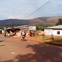 Des kiosques se trouvant sur la route Ruyigi-Cankuzo à côté du Tribunal de Résidence ©Iwacu