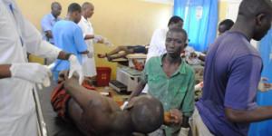 Les services d'urgences de l'Hôpital Prince Régent débordés Les médecins s'activent pour sauver les blessés ©Iwacu