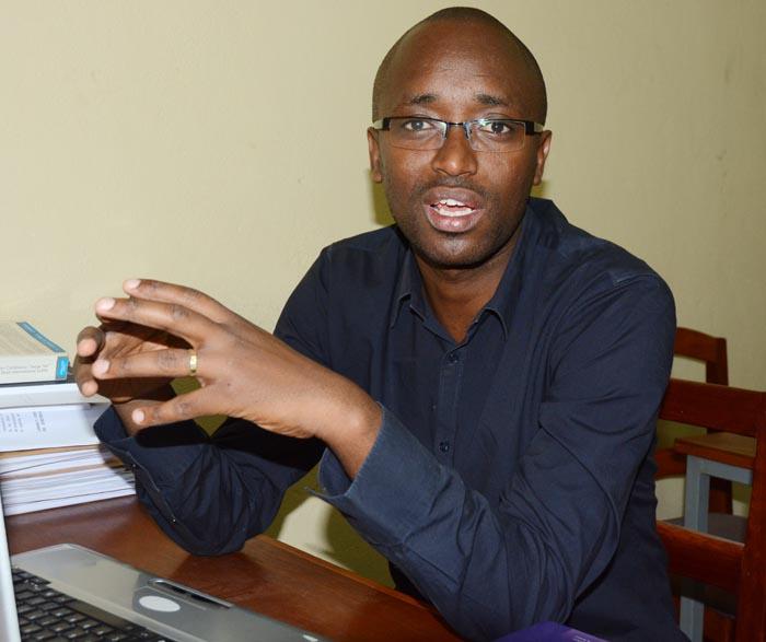 Bernard Ntahiraja : « En vertu de l'article 126 de la Constitution, le Vice-président ne prend que des mesures d'exécution des décrets. L'arrêté dont il est question ici n'exécute aucun décret » ©Iwacu