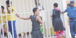 Des prostituées arrêtées par la police dans les différents hôtels de Rumonge ©Iwacu
