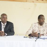 Evariste Ngayimpenda et Charles Nditije, lors de cette conférence animée conjointement ©Iwacu