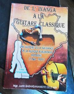 Le livre coûte 50.000 Fbu et est disponible au Musée et à l'Alliance franco-burundaise de Gitega. A Bujumbura, on pourra le trouver au Musée Vivant et à la Libraire Saint-Paul ©Iwacu