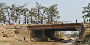 Le pont Ntahangwa est menacé d'effondrement ©Iwacu
