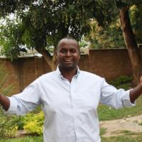 Me Horace Ncutiyumuheto explique le fond du litige qui oppose son client Venant Masenge à l'État burundais ©Iwacu