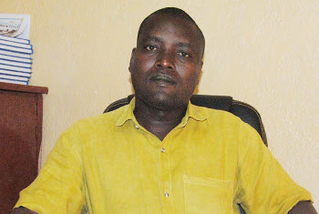 Pontien Batungwanayo, administrateur de la commune Isare appelle la population à mettre en avant la bonne cohabitation ©Iwacu