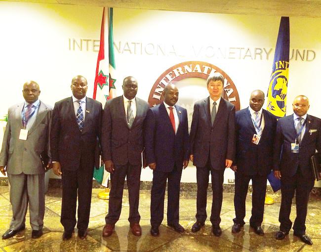 Après la rencontre avec le Directeur général-adjoint du FMI ©Iwacu