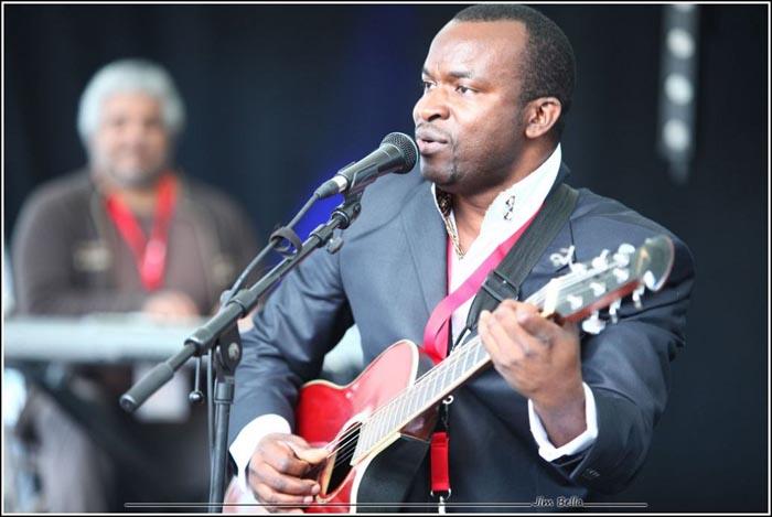 Ingénieur de son à Anvers (Belgique), Jérémie Hakeshimana est l'un des membres fondateurs de la Radio Fréquence Menya (88,9 Mégahertz sur FM au Burundi)