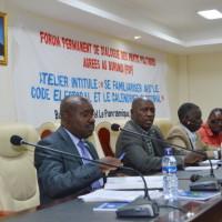 Le panel des présentateurs lors de la rencontre ©Iwacu