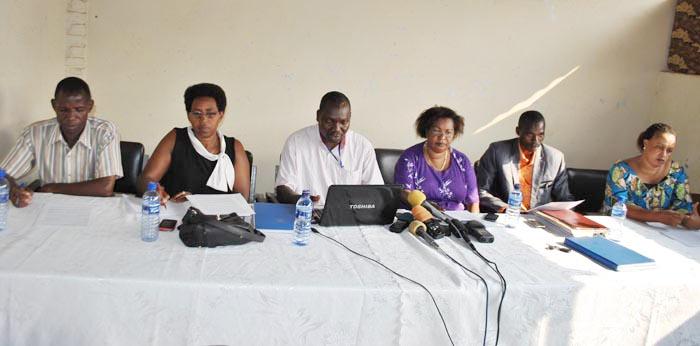 Les représentants des huit syndicats lors de la conférence de presse ©Iwacu
