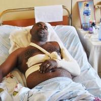 Déo Habarugira a été opéré à l'hôpital Roi Khaled et, heureusement, aucun organe vital n'a été touché par l'arme de son agresseur ©Iwacu