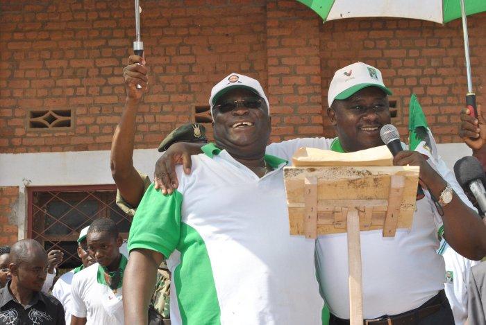 Domitien Ndayizeye et Jean Minani : les retrouvailles politiques ©Iwacu