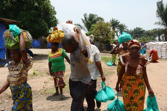 Les bénéficiaires de cette aide invitent le gouvernement à jouer pleinement son rôle de protecteur de la population et de ses biens ©Iwacu
