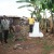 Hilaire Macumi à la borne 42 qui sert de démarcation de la frontière Burundi-Tanzanie ©Iwacu
