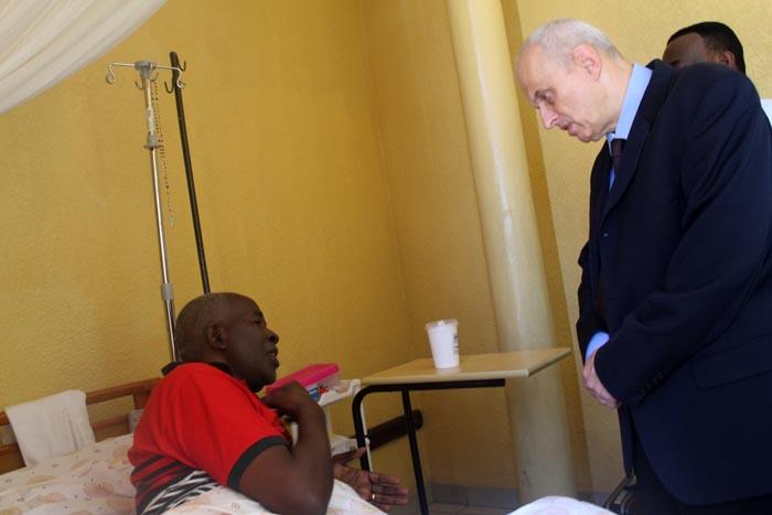 Jean Luc Marx a indiqué à Pierre Claver Mbonimpa que la communauté internationale suit avec beaucoup d'intérêt et de préoccupation son affaire.
