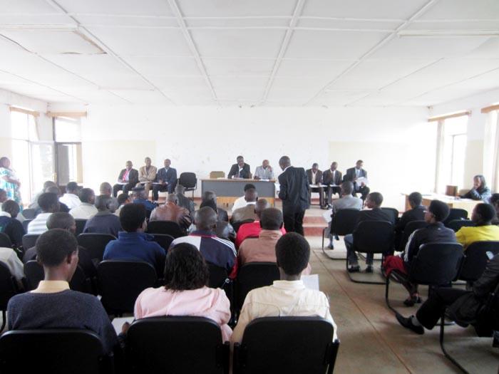 Réunion d'échanges entre la CEPI de Gitega, les partis politiques, les confessions religieuses et la société civile ©Iwacu