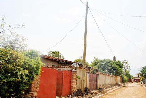 Le poteau électrique qui suscite l'indignation ©Iwacu