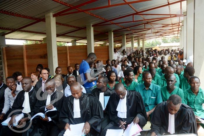 Lundi, 27 octobre 2014 - Les jeunes du MSD avaient comparu à la prison centrale de Mpimba. Mais le procès n'a pas eu lieu à cause des dossiers incohérents et de certains détenus qui n'ont pas répondu à l'appel car ils n'étaient pas avisés. La prochaine comparution est fixée le 1er décembre 2014 © A.K/Iwacu