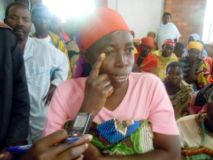 Clotilde Nduwumukama : « Après les examens, les résultats ont montré que j'ai développé le diabète. Trop tard, mes yeux ont déjà été atteints ! »  ©Iwacu