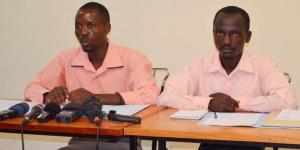 De gauche à droite, le représentant des étudiants de l'UB et celui des étudiants de l'ENS ©Iwacu
