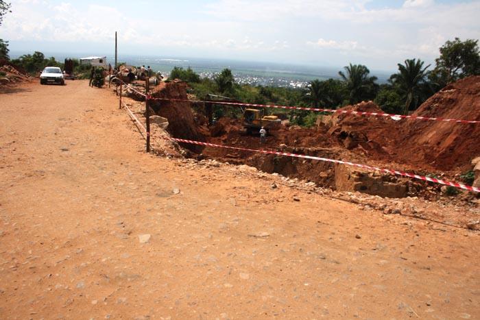 Travaux  de construction du dalot sur la rivière Gasenyi  ©Iwacu
