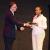 L'ambassadeur de France au Burundi décernant un trophée à Jessica Musanindanga, gagnante du prix Michel Kayoya Félix Nkurunziza : « Suite à la non- informatisation des taxes internes, nous sommes obligés de procéder par le principe déclaratif. »