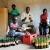 L'emballage du « Fungus Tea » dans une fabrique  au quartier Industriel de Bujumbura   ©Iwacu