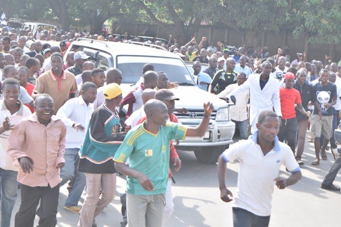A l'arrivée d'Agathon Rwasa, ses militants et sympathisants étaient en liesse ©Iwacu