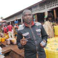 Khalid Hakim au marché de Muyinga,  le dimanche 30 novembre ©Iwacu