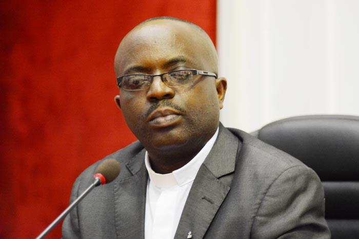 Père Désiré Yamuremye copie - Copie