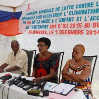 De gauche à droite, le coordonateur de la Cnls, Mme Gapiya et la coordinatrice de l'Anss ©Iwacu