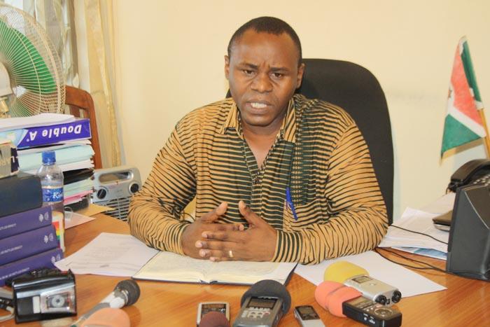 Pour Gabriel Rufyiri, cette taxe ne vient qu'aggraver la misère des populations ©Iwacu
